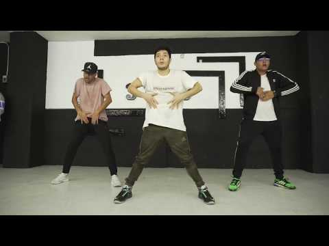 Daddy Yankee - Ella Me Levanto | Choreography By Adrian Rivera Ft Luiiguii Castro (Collab Class)