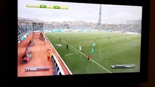 Victor Trannin é Santos jogando contra o Vasco no FIFA 13.