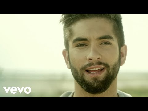 color - Découvrez le 1er Single de l'EP de Kendji Girac, le gagnant de la saison 3 de The Voice. Facebook : https://www.facebook.com/kendjioff Twitter : https://twitter.com/girackendji Site Officiel...