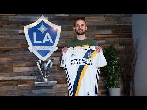 Video: LA Galaxy Sign Perry Kitchen