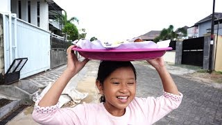 Video What If Jessica Jenica Jadi Penjual Kue Keliling 💖 Semoga Jualannya laku Aamiin....!!! MP3, 3GP, MP4, WEBM, AVI, FLV Januari 2019