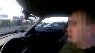 Seba i Karyna w BMW kontra gość w Saabie. Wyścig spod świateł