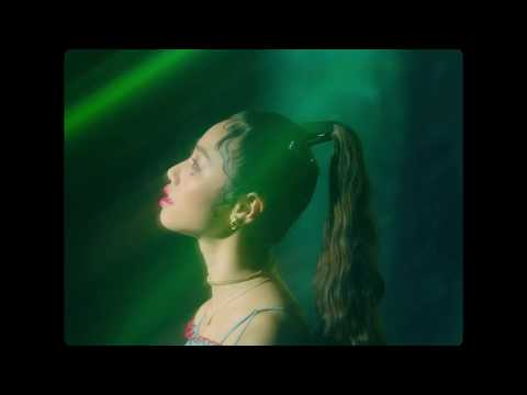 , title : 'RIRI, KEIJU, 小袋成彬 『Summertime』Music Video'