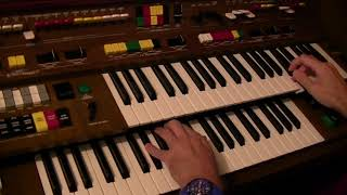 Elvis Presley's Love Me Tender and Wooden Heart - Yamaha Electone C-605 played by Darren Jones