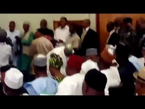 Video:Ngige ,Oshiomhole In Height Test At APC Meeting In Abuja