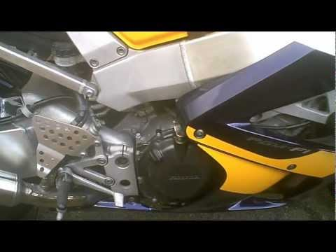 2000 HONDA CBR900 FIREBLADE 929 View Of Bike And Listen To Engine Running