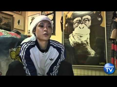 Japanese Man Holds Guinness Record for Running Like a Monkey  picture