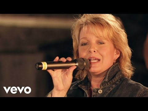Bill & Gloria Gaither – Eastern Gate [Live] ft. Sheri Easter