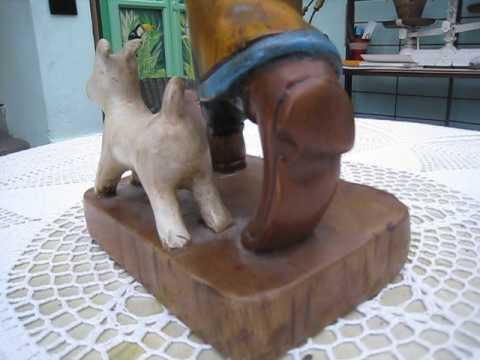 """Figurine, Sculpture en bois faite mains, """"TINTIN ET LE LOTUS BLEU"""""""