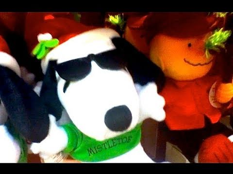 SNOOPY BEST CHRISTMAS Stuff EVER! 2010 Toy Review by Mike Mozart