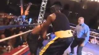 Shaquille O_Neal vs Sugar Shane Mosley Boxing Match  2010