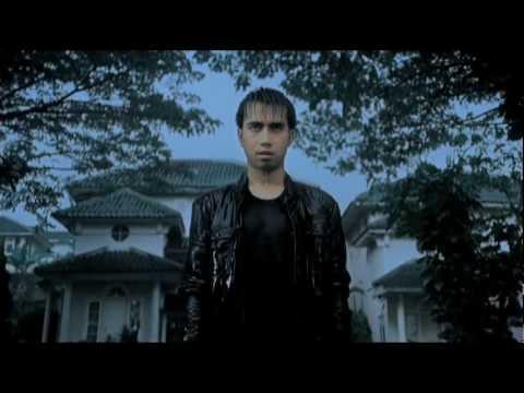 Download Lagu Vidi Aldiano - Cemburu Menguras Hati Music Video