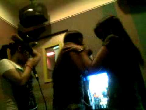 cewek karaoke gila.mp4