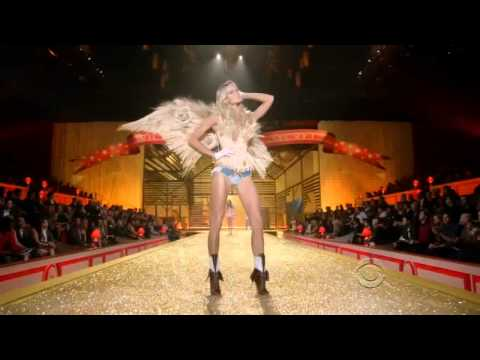 Victoria's Secret Fashion Show 2010 [HD] Part 3/7: Country Girls