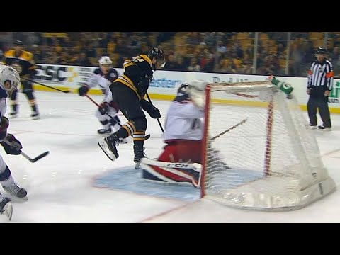 Video: Bruins score seventh of the night after bad Blue Jackets turnover