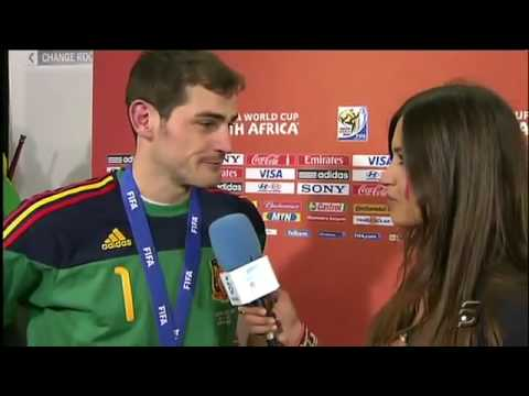 Iker Casillas Kiss Sara Carbonero