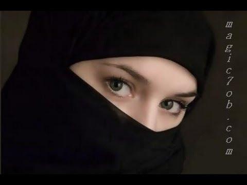 فتاة مسلمة فرنسيه منقبة تقهر القانون الفرنسي بلبس النقاب بطريقة ذكية وقانونية