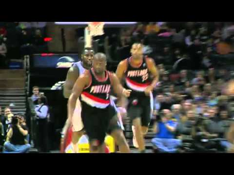 Raymond Felton steals and scores against Spurs