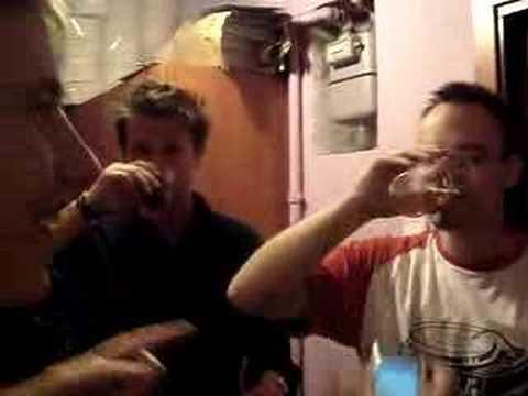Ami leve ton verre