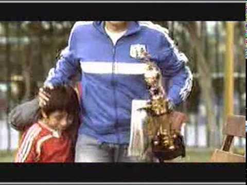 Diario deportivo «El Bocón» cambió polémico spot por uno afectivo con niño futbolista