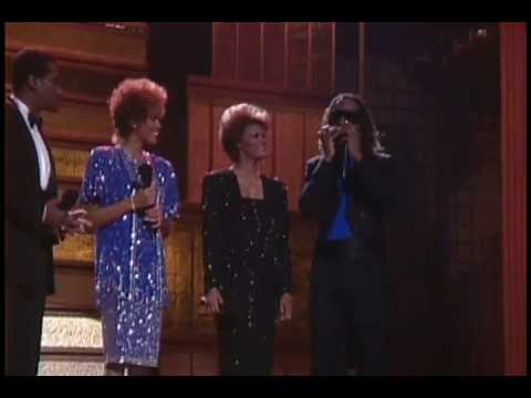 "Dionne Warwick, Stevie Wonder, Whitney Houston, Luther Vandross "" That's What Friends Are For "" ."
