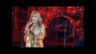 گوگوش GOOGOOSH Concert (part 1), Dubai, Norooz 1392 - Haghir + Kooh