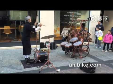 Juggler Drumming
