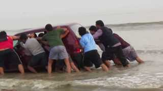 Mandarmoni India  city photos gallery : RESCUE OF A CAR AT MANDARMONI SEA BEACH BY WEST BENGAL YOUTH BRIGADE