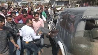 Video Asifa case:  Police lathi charge protestors demanding CBI inquiry MP3, 3GP, MP4, WEBM, AVI, FLV Juli 2018