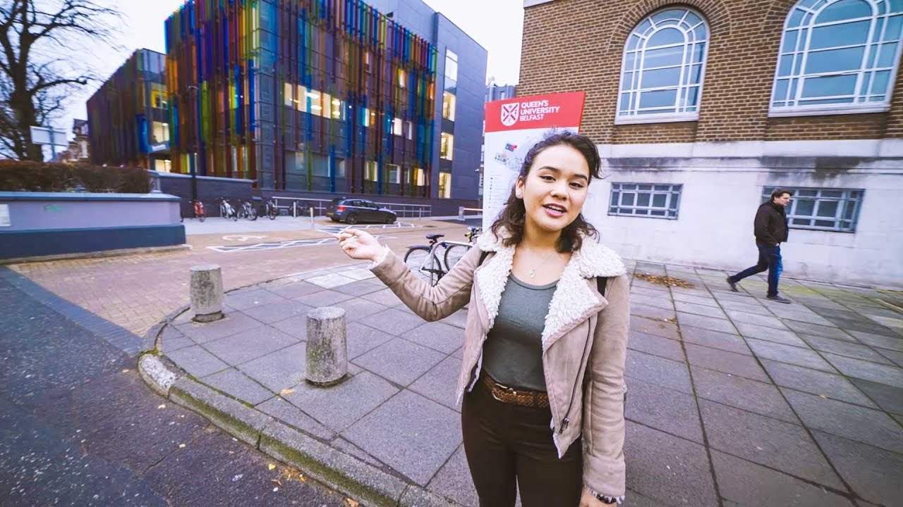 Join Rhea to experience a day in the life of a Psychology student at Queen's.