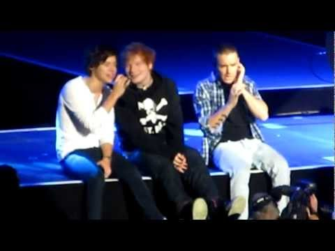 One Direction Feat. Ed Sheeran - Little Things MSG 12/3/12 (видео)