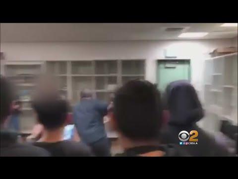 Nauczycielowi puściły nerwy. Uczniowie nagrali go jak okładał innego ucznia