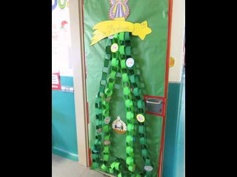 Decoraci n del colegio para las fiestas de navidad ceip for Decorar puertas navidad infantil