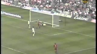 Ivica Vastic trifft gegen Wales