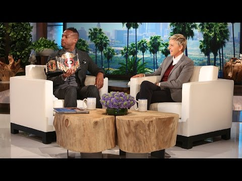 Marlon Wayans Is 50 Shades of Scared!
