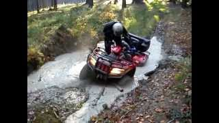 8. ATV Arctic Cat 700 TRV a TGB 550