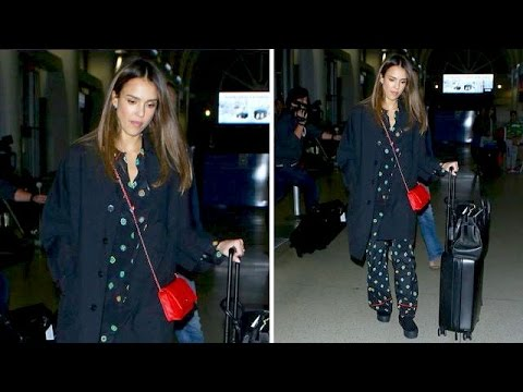 Jessica Alba Flies The Friendly Skies In PJs