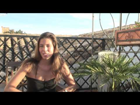 Wideo Oasis Backpackers Hostel Granada