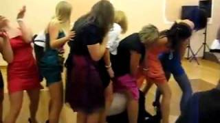 Przechytrzył Kobiety-Tak się bawi na weselu:)