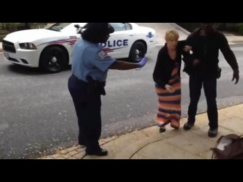 WHITE Attorney OUTRAGED When D.C. Cops ACCUSE Black Neighborhood Handyman Of ROBBERY!!