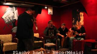 Video Plachý host - Něco(Měsíc), Klub Mezzanine, Brno 10.4.2015