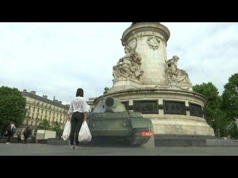 Η Ευρώπη συνεχίζει να θρηνεί τα θύματα της Τιεν Αν Μεν