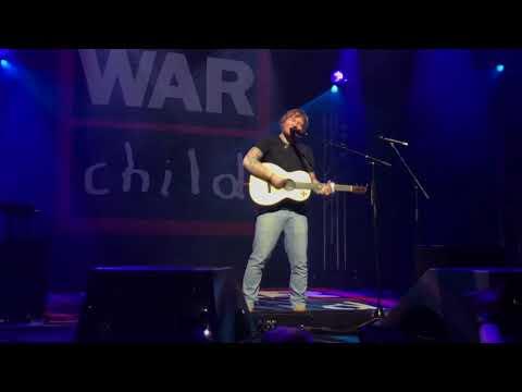 Ed Sheeran - Dive (Live for Warchild @ Indigo O2, London) (видео)