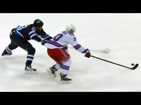 Video: Kreider skates by Byfuglien and dekes Pavelec