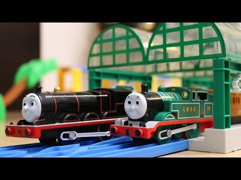 トーマスプラレール はじめて物語 緑のトーマス&黒いジェ …