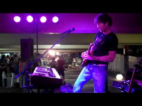 """Virgil Cain """"Rolling In The Deep"""" at GlassFest 2011"""