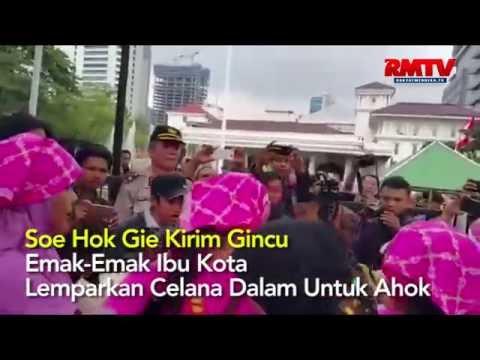Soe Hok Gie Kirim Gincu, Emak-Emak Ibu Kota Lemparkan Celana Dalam