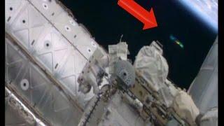 НЛО возле МКС в открытом космосе! Окт 7, 2014