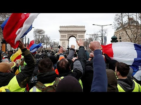 Paris on lockdown as France braces for a fourth week of 'Yellow Vest' protests