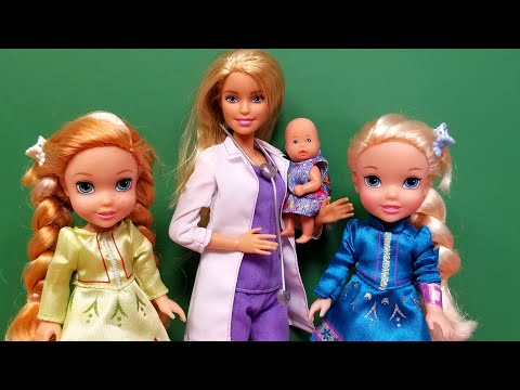 Doctor check up ! Elsa & Anna toddlers - Barbie